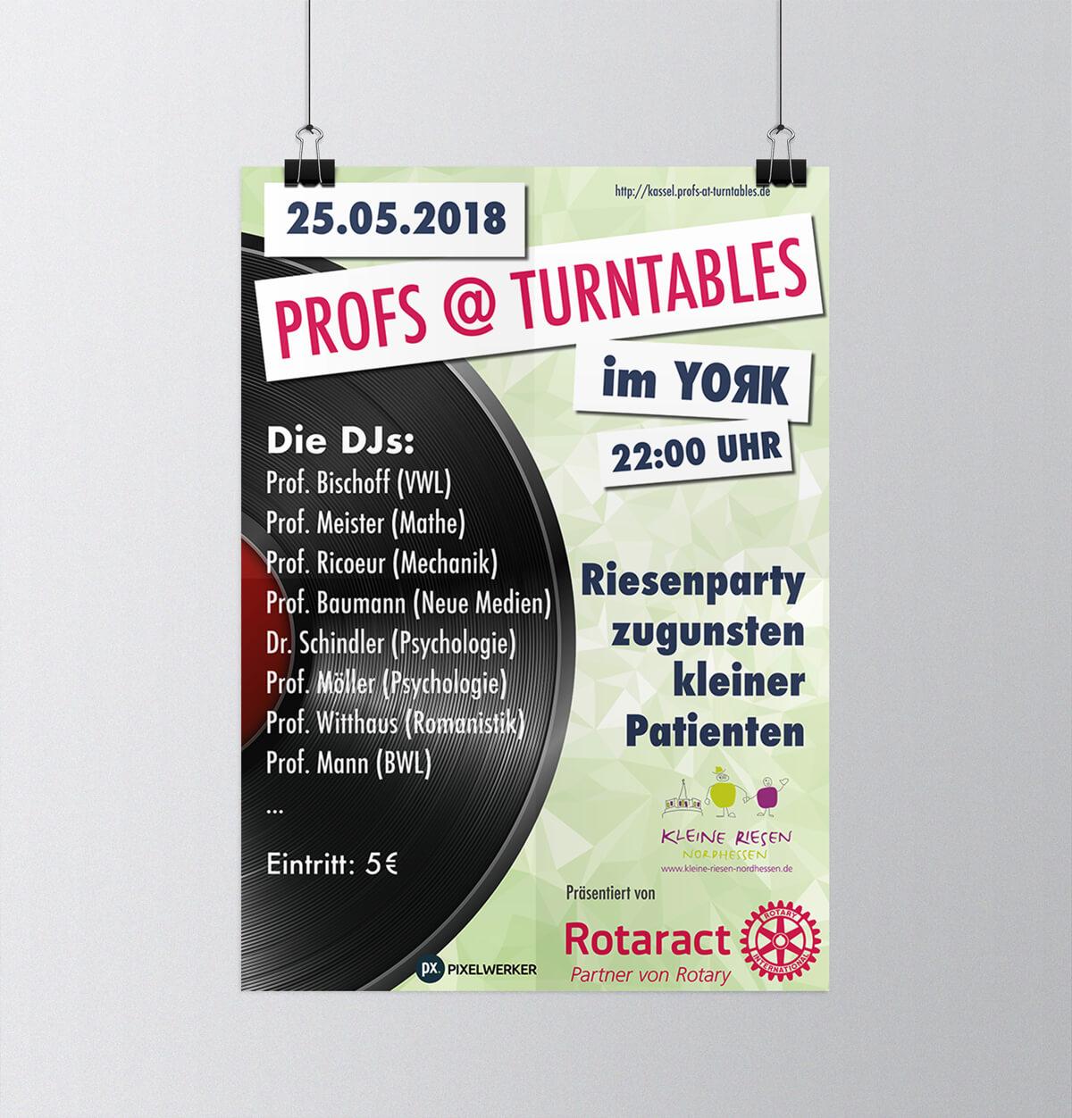 Für die PROFS@TURNTABLES Party wählten wir ein Design, das auf den ersten Blick zeigt, worum es geht: Eine super Party mit wohltätigem Hintergrund.