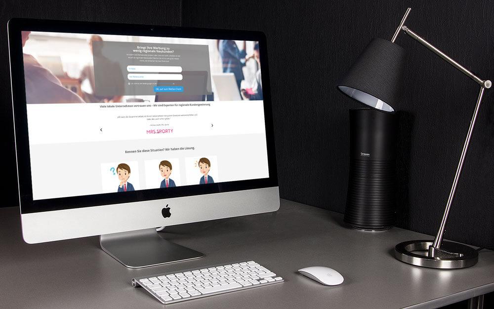 Die Nutzer können sich direkt im Headerbereich für den Marketingcheck anmelden.